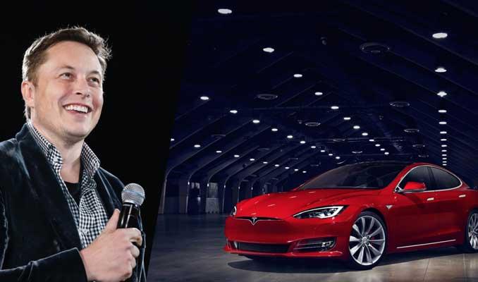 Tesla'nın otomatik pilot özelliği tüm araçlarında bulunacak