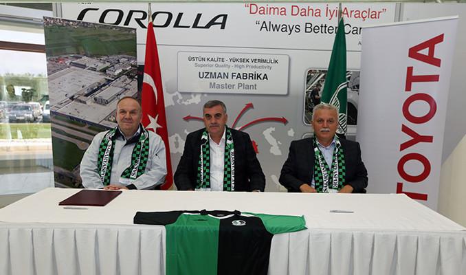 Toyota'dan Sakaryaspor'a 250 bin liralık destek