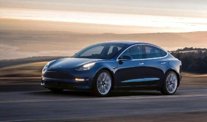 Tesla, Çin'e satılan 50 bine yakın aracını geri çağırıyor
