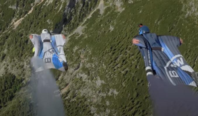 Ünlü otomobil firması uçan kostüm tasarladı