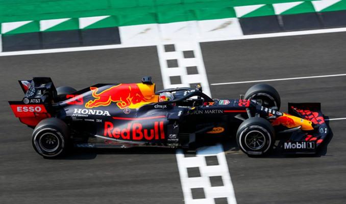 Formula 1'de heyecanı sürüyor!