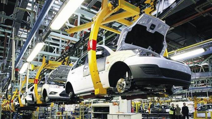 Fransa, Renault'un fabrika kapatmasına ve işçi çıkarmasına karşı çıktı