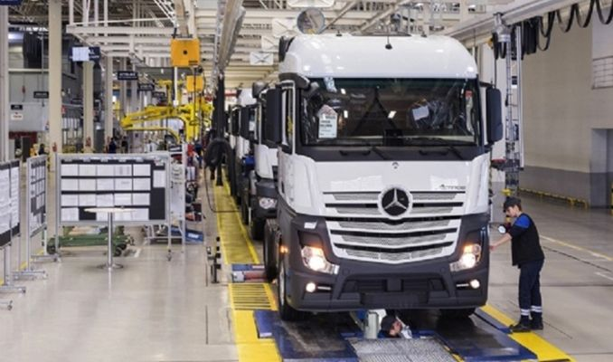 Mercedes üretime ara veriyor, Tofaş hızı yavaşlatıyor
