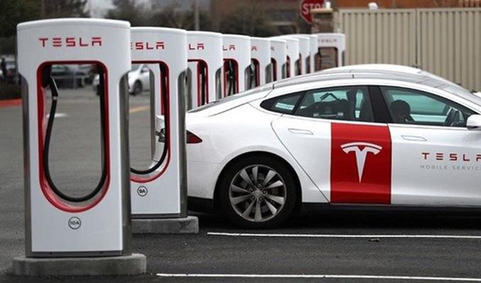 Tesla Çin'de rekor kırdı