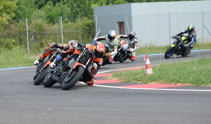 Milli motosikletçiler İspanya'da Türkiye'yi temsil edecek