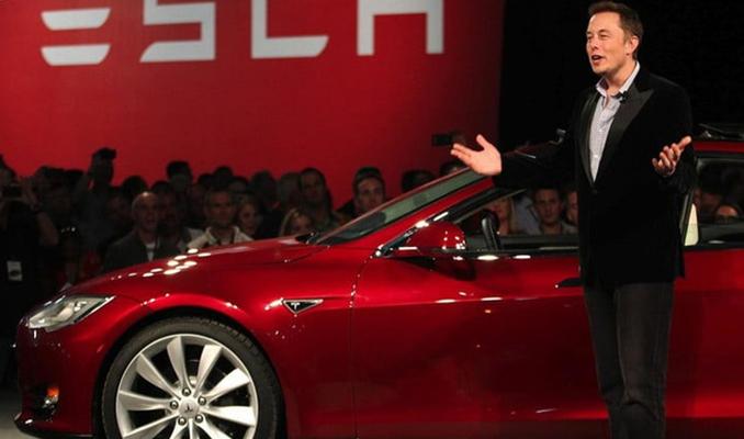 Elon Musk, Tesla'dan 2 milyar dolar bonus almaya hak kazandı