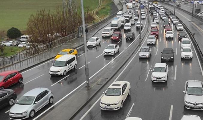 İstanbul'da kısıtlama sonrası trafik yoğunluğu sürüyor