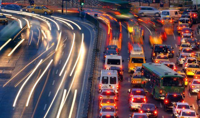 1 milyondan fazla araç trafiğe çıktı