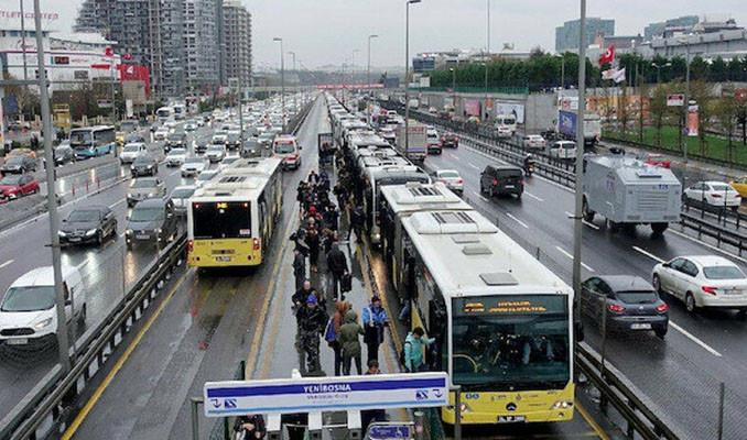 Farklı şehirlerde ulaşıma terk kart