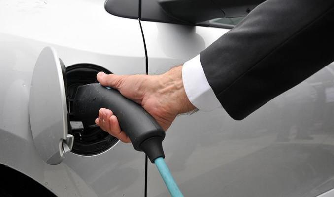 General Motors ABD ve Kanada'da 40 bin şarj istasyonu kuracak