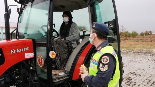 Traktörle en fazla kazayı kadınların yaptığı belirlendi, eğitime alındılar
