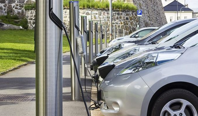 Çin'in yeni elektrikli otomobili Nio satışa sunulacak