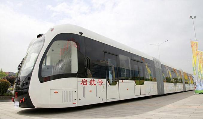 30 metre uzunluğunda otobüs