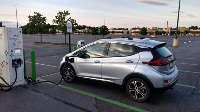 Çin, temiz enerjili araç sayısında lider