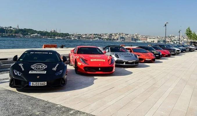 Otomobil tutkunları Galataport İstanbul'da buluştu