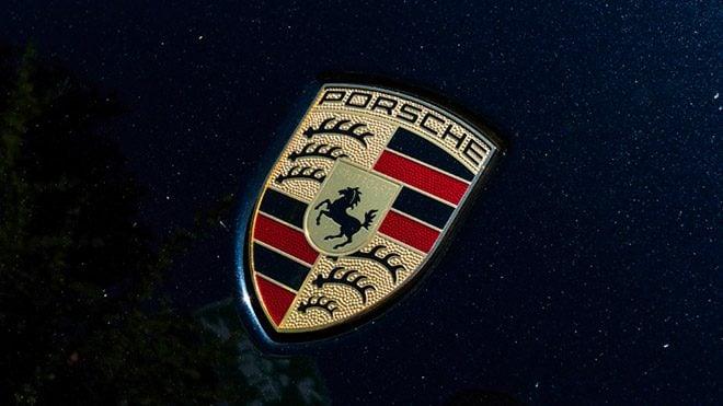Porsche tamamen elektrikli ilk otomobilini geri çağırabilir