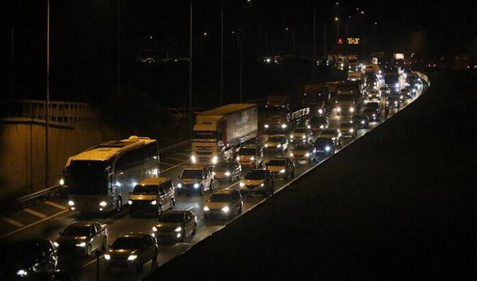 İstanbul'dan tatil kaçışı! Otoyollarda son durum
