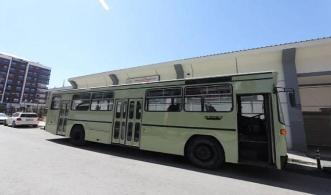 İş seyahatlerinden sıkılınca otobüsü eve çevirdi