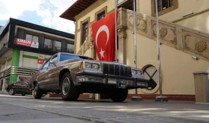 Üç başkana hizmet veren 37 yıllık makam otomobili