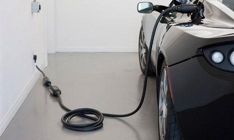 Elektrik otomobillerde menzil derdi bitiyor