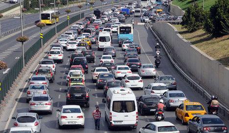 Yoğun saatte trafiğe çıkana ceza
