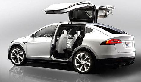 Tesla'nın SUV modeli Model X yola çıkmaya hazır